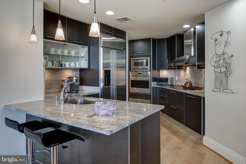 Single Family Homes 為 出售 在 Reston, 弗吉尼亞州 20190 美國