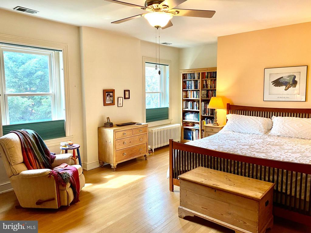The owners bedroom , most items convey 4sale - 900 SOUTH CAROLINA AVE SE, WASHINGTON