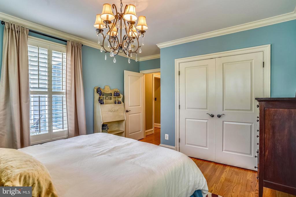 Bedroom 3 - 27 E MASONIC VIEW AVE, ALEXANDRIA