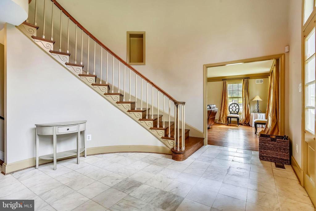 Staircase - 14660 SENECA RD, DARNESTOWN