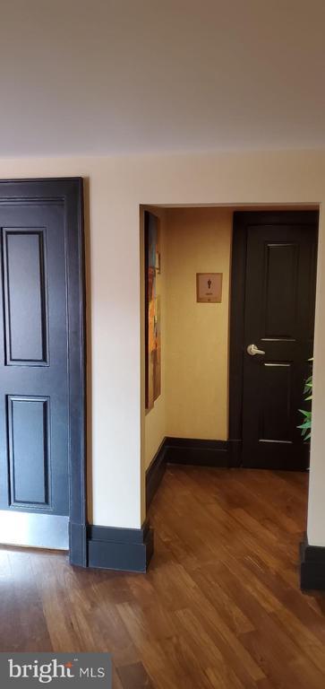 Ladies restroom - 777 7TH ST NW #518, WASHINGTON