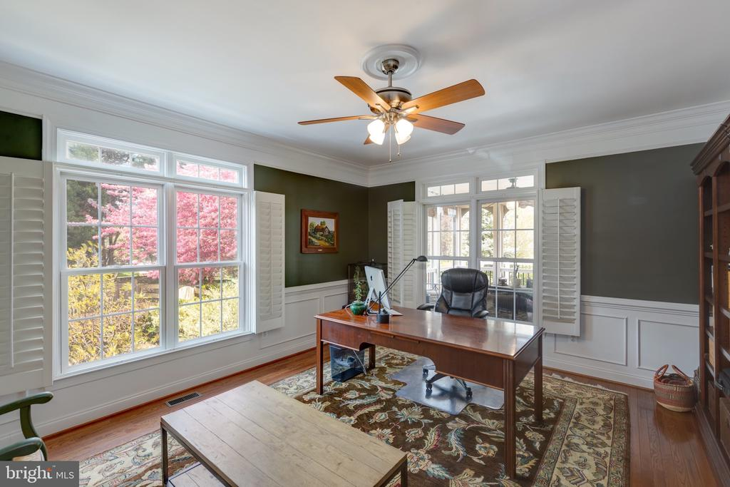 Beautiful Views-Large Private Office - 16329 LIMESTONE CT, LEESBURG