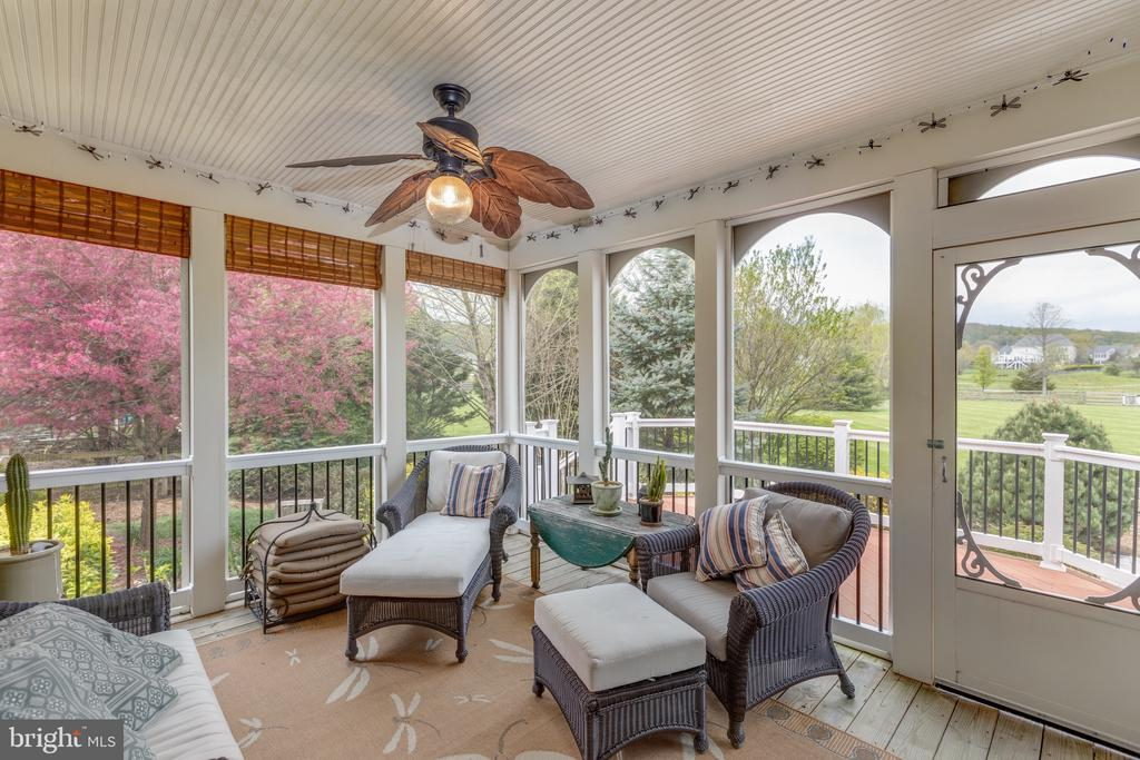 Screened-in Porch - 16329 LIMESTONE CT, LEESBURG