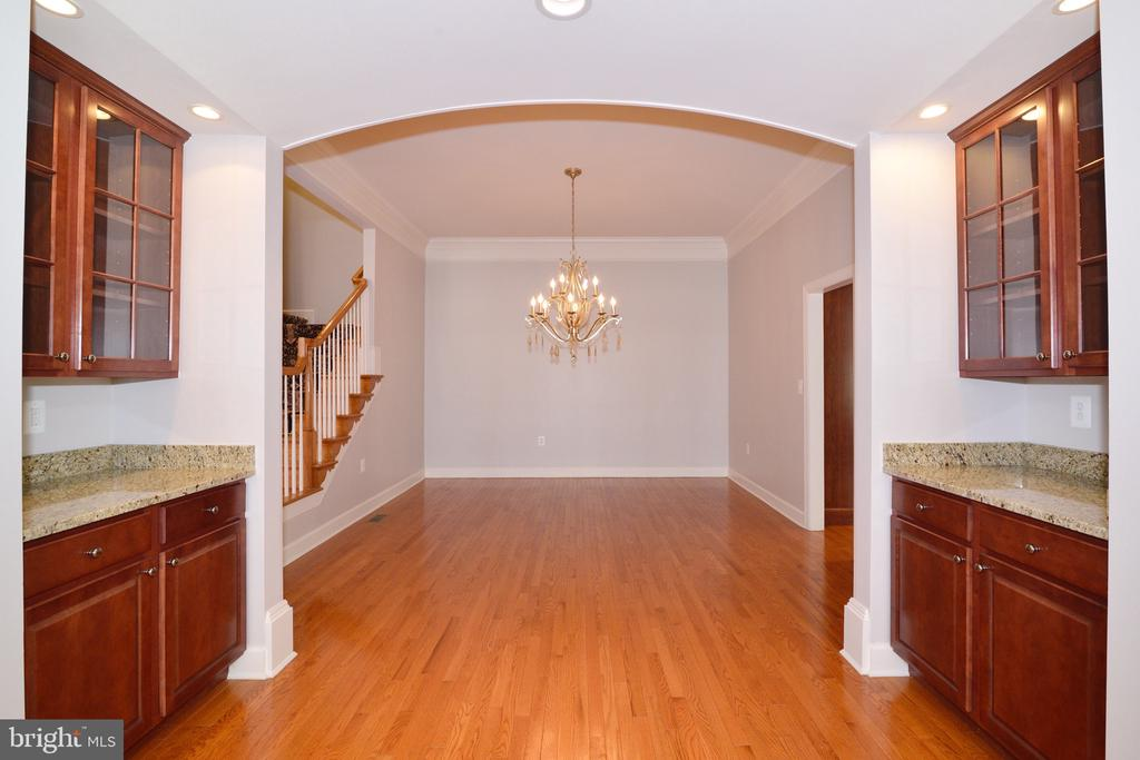Dining Room is Flanked By Dual Butler's Pantry. - 18229 CYPRESS POINT TER, LEESBURG