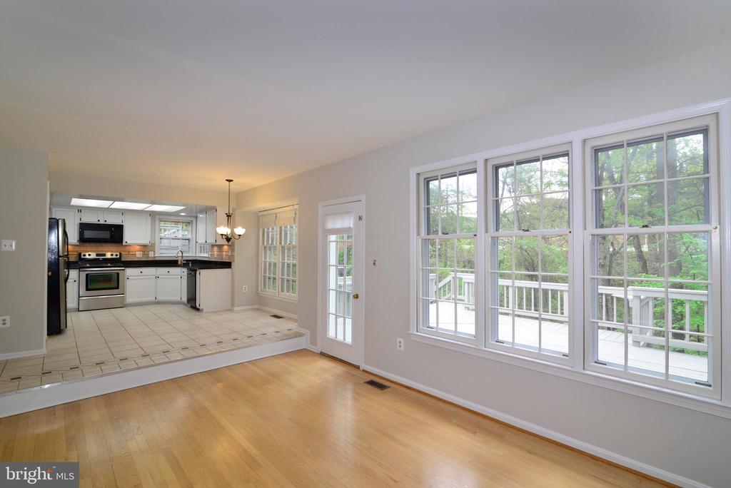 Kitchen view from Family Room - 11612 OLD BROOKVILLE CT, RESTON
