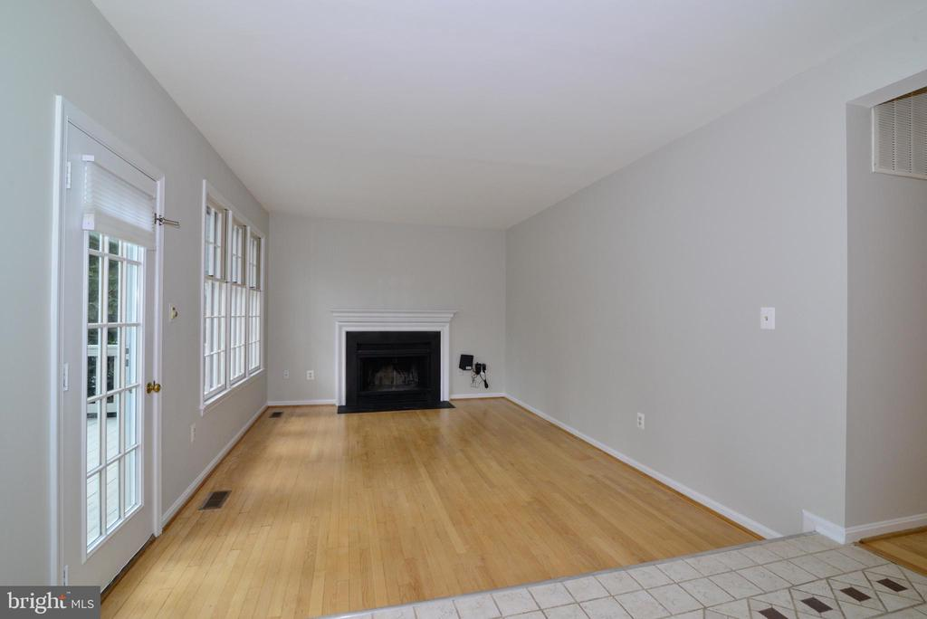 Family Room - 11612 OLD BROOKVILLE CT, RESTON