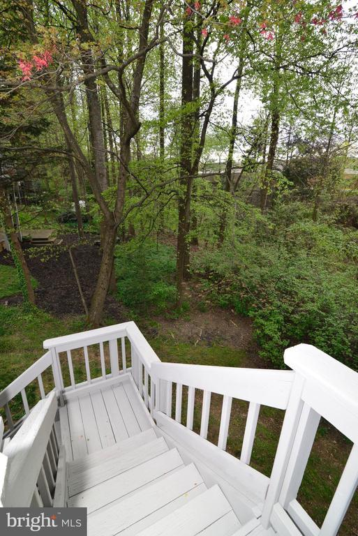 Deck Stairs - 11612 OLD BROOKVILLE CT, RESTON