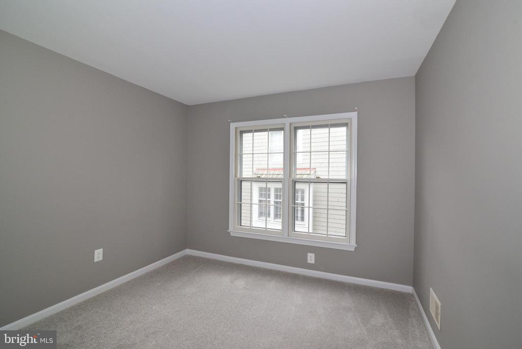 Bed #2 - 11612 OLD BROOKVILLE CT, RESTON