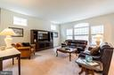 Spacious family room with lots of natural light - 17 WAGONEERS LN, STAFFORD