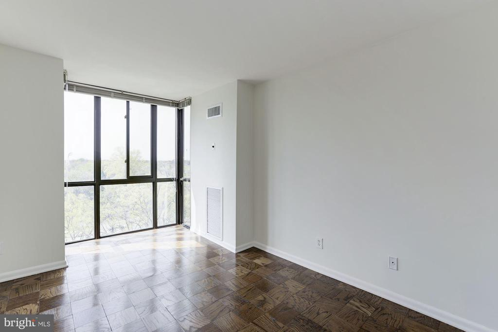 Bedroom #3/Den/Office - 4620 N PARK AVE #1005E, CHEVY CHASE