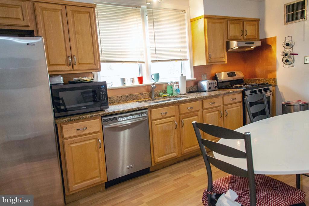 Kitchen - 1629 PRIMROSE RD NW, WASHINGTON