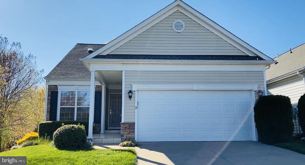 Welcome home to 132 Bridgewater Circle - 132 BRIDGEWATER CIR, FREDERICKSBURG