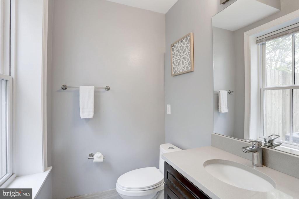 Half Bathroom - 229 E ST NE, WASHINGTON