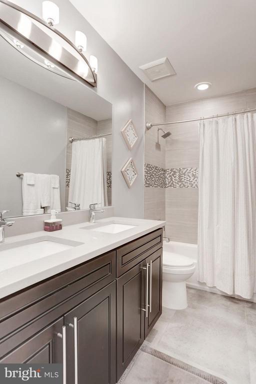 Bathroom 2 - 229 E ST NE, WASHINGTON