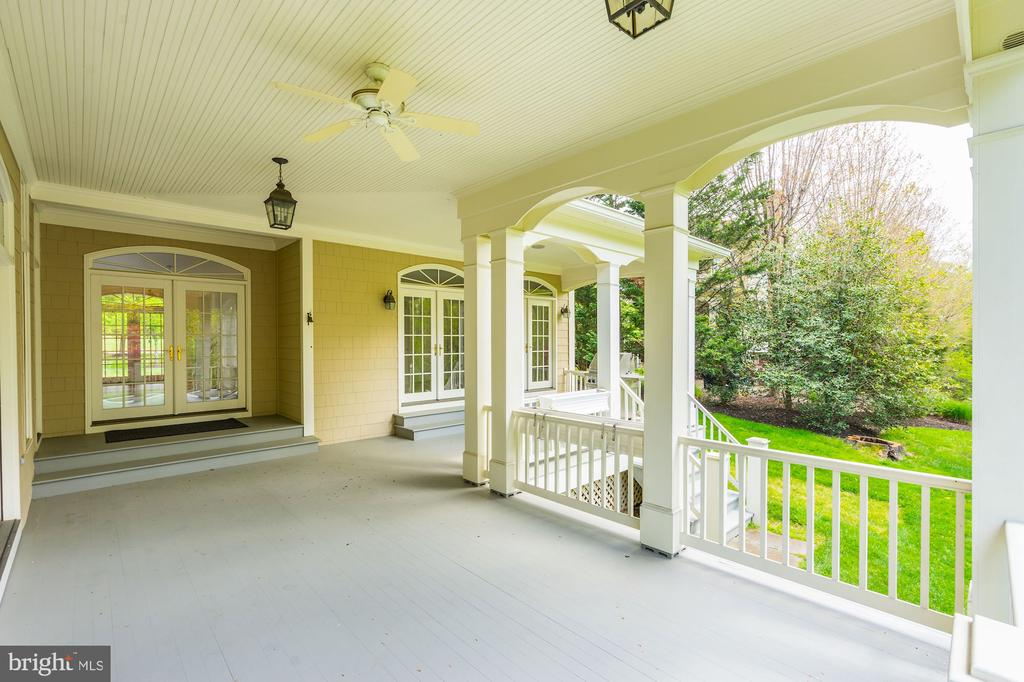 Access to Porch from Kitchen - 1006 BRYAN POND CT, MCLEAN