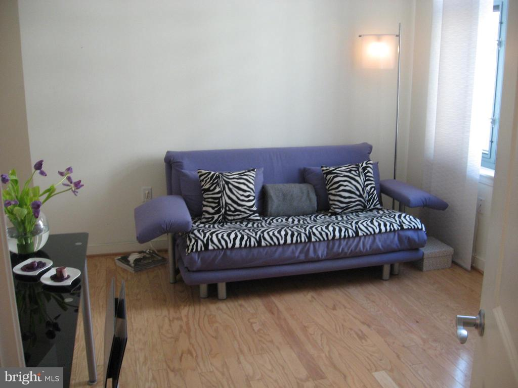 2nd BR in #504 - 1117 10TH ST NW #504, WASHINGTON