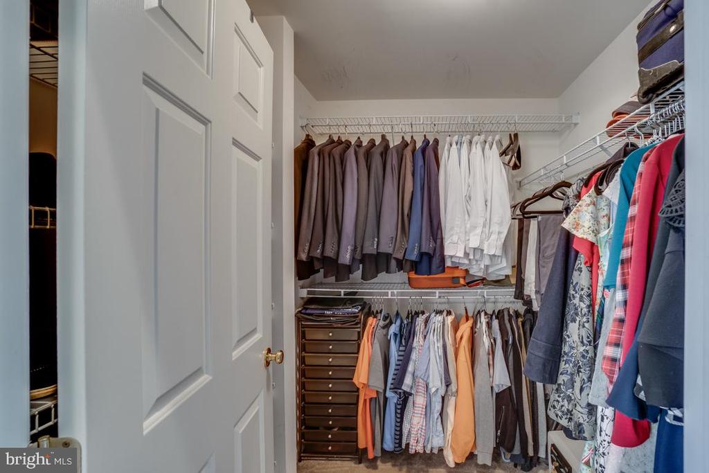 MASTER WALK IN CLOSET - 18009 DENSWORTH MEWS, GAINESVILLE