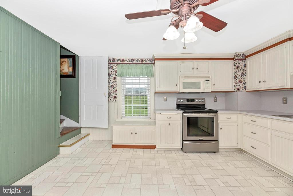 Kitchen with custom cabinets - 116 S JEFFERSON ST, FREDERICK