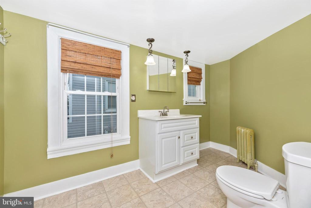 Bathroom - 116 S JEFFERSON ST, FREDERICK