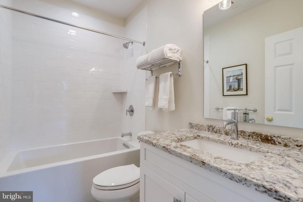 Lower level bath - 2700 BEECHWOOD PL, ARLINGTON