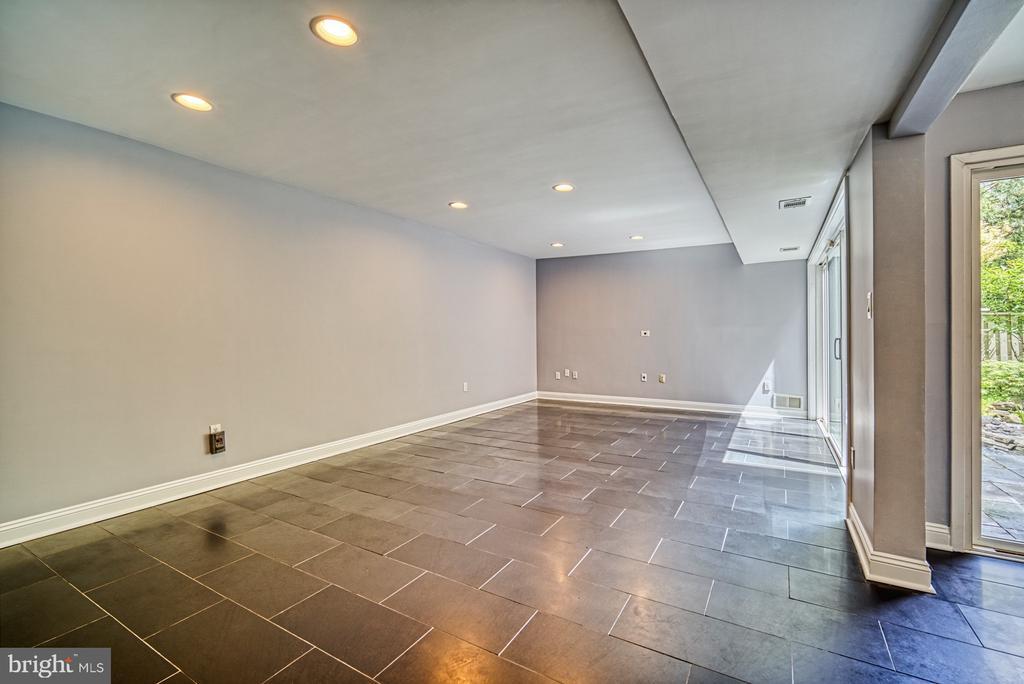 Living Room - 11338 LINKS DR, RESTON