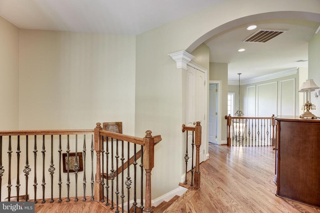 2 staircases lead you upstairs - 40989 GRENATA PRESERVE PL, LEESBURG