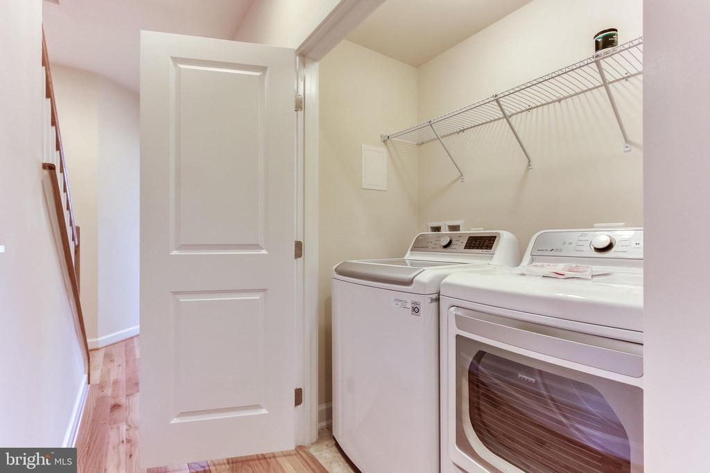 Washer and Dryer on the bedroom level. - 3160 VIRGINIA BLUEBELL CT, FAIRFAX