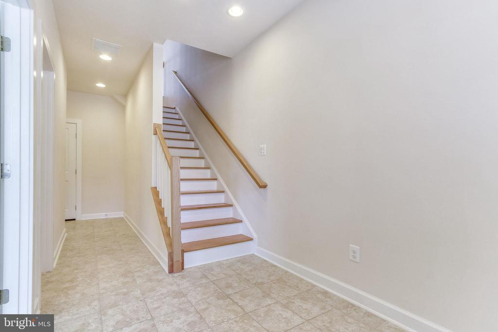 Back to the entry level ... - 3160 VIRGINIA BLUEBELL CT, FAIRFAX