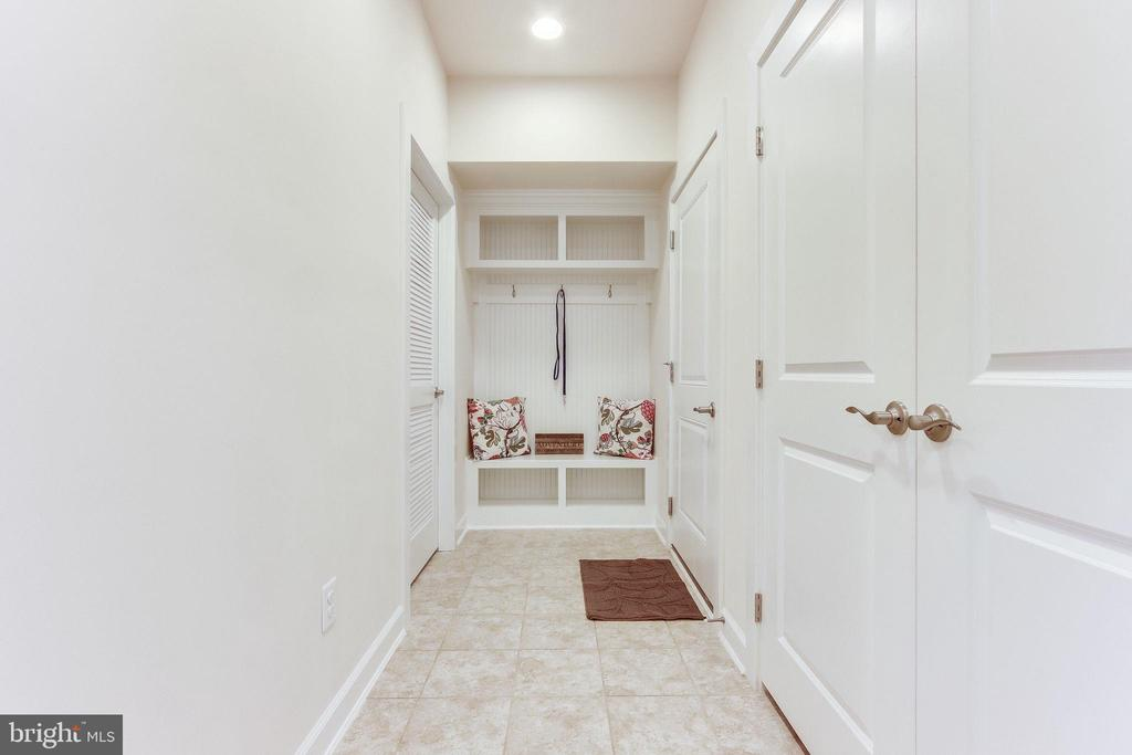 Mudroom at the garage door, aka The Arrival Center - 3160 VIRGINIA BLUEBELL CT, FAIRFAX