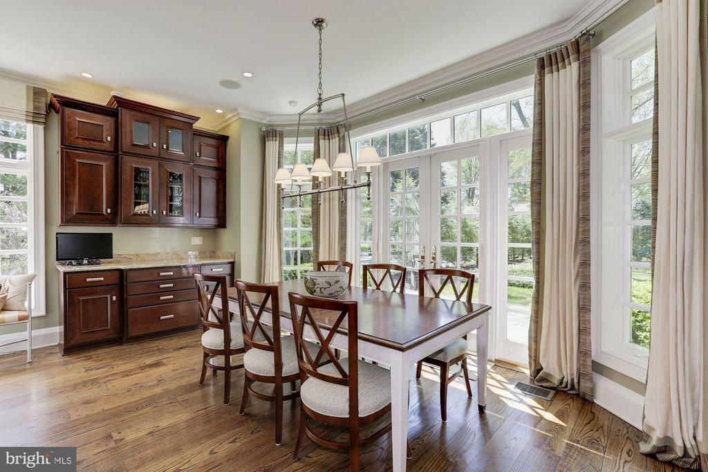 Main Level - Breakfast Room - 11517 HIGHLAND FARM RD, POTOMAC