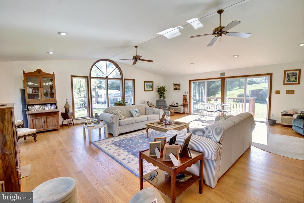 Huge Great Room addition! - 14460 MILLTOWN RD, LOVETTSVILLE