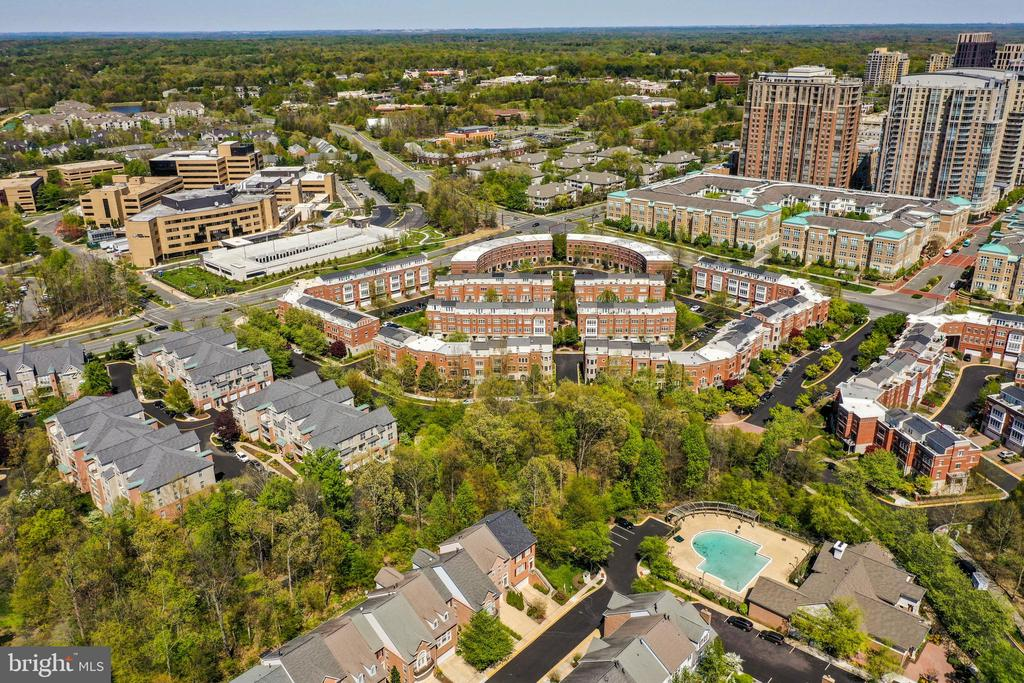 Reston's most sought-after community - West Market - 1911 LOGAN MANOR DR, RESTON