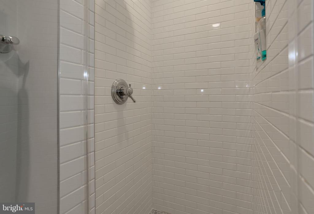 Beautiful Tile Work in shower - 3827 MILITARY RD, ARLINGTON