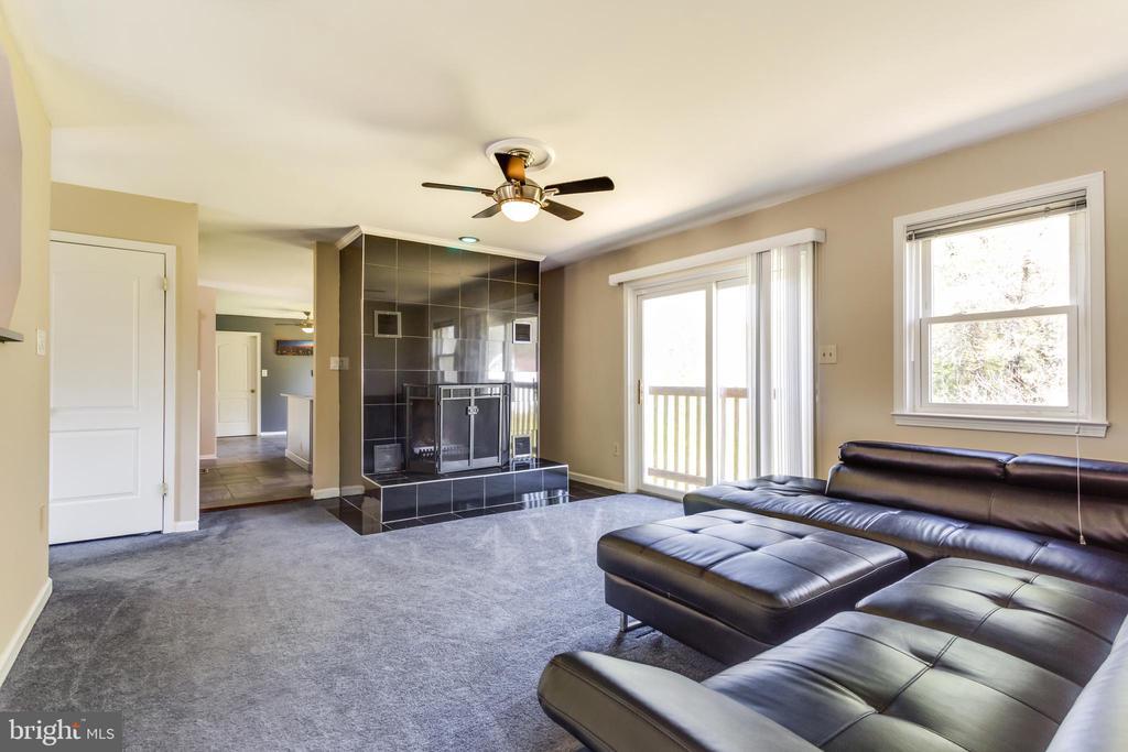 Family room - 4622 CLAYTON RD, WALDORF