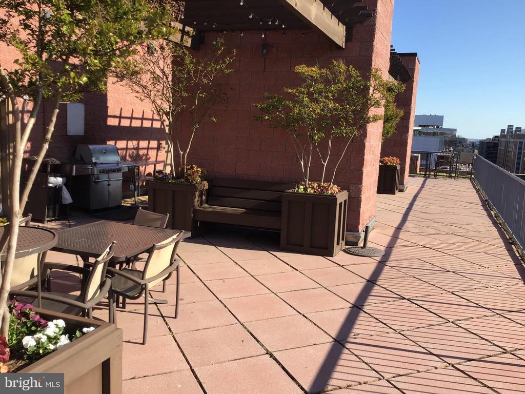 Roof dek - 1117 10TH ST NW #504, WASHINGTON