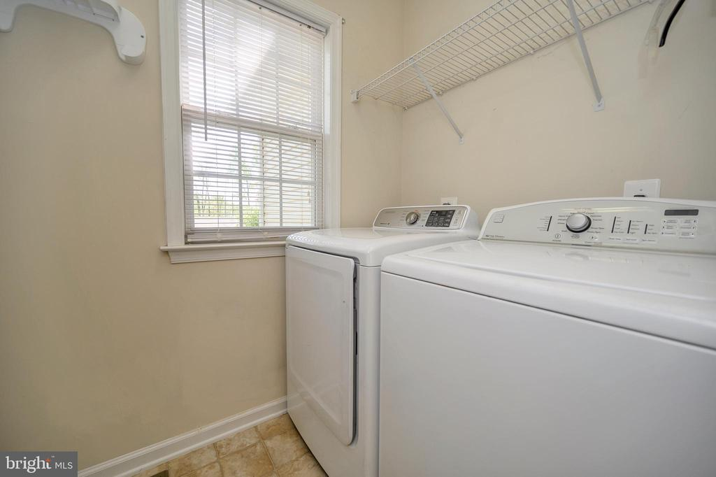 Laundry room - main level - 412 BIRDIE RD, LOCUST GROVE