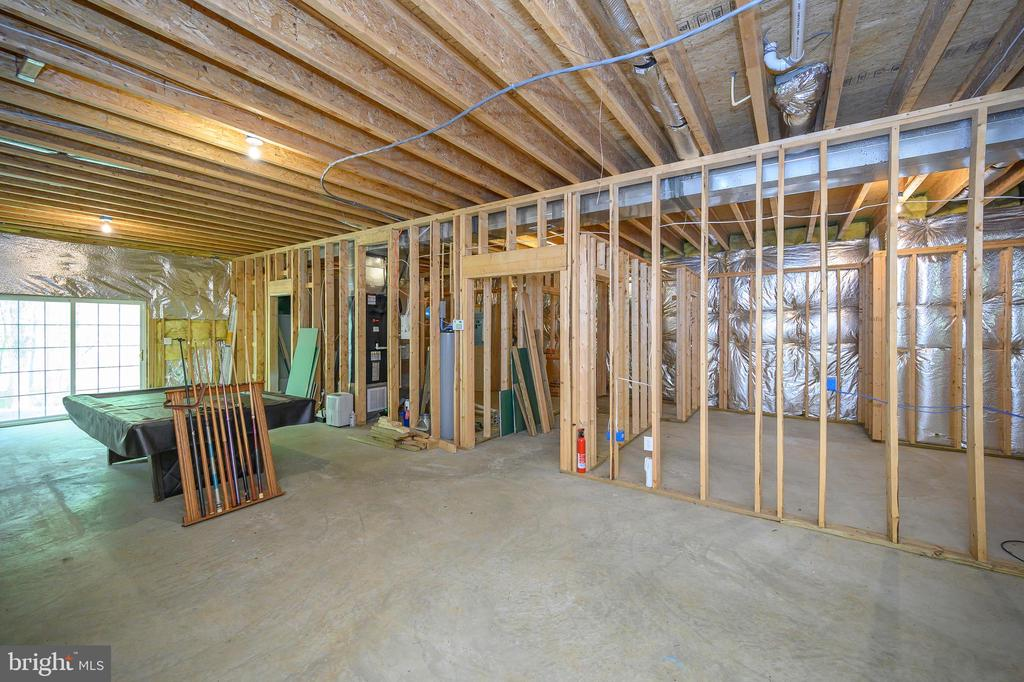 How would you finish this space? - 412 BIRDIE RD, LOCUST GROVE