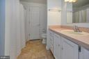 Jack and Jill bath opens to theatre room - 118 CONFEDERATE CIR, LOCUST GROVE