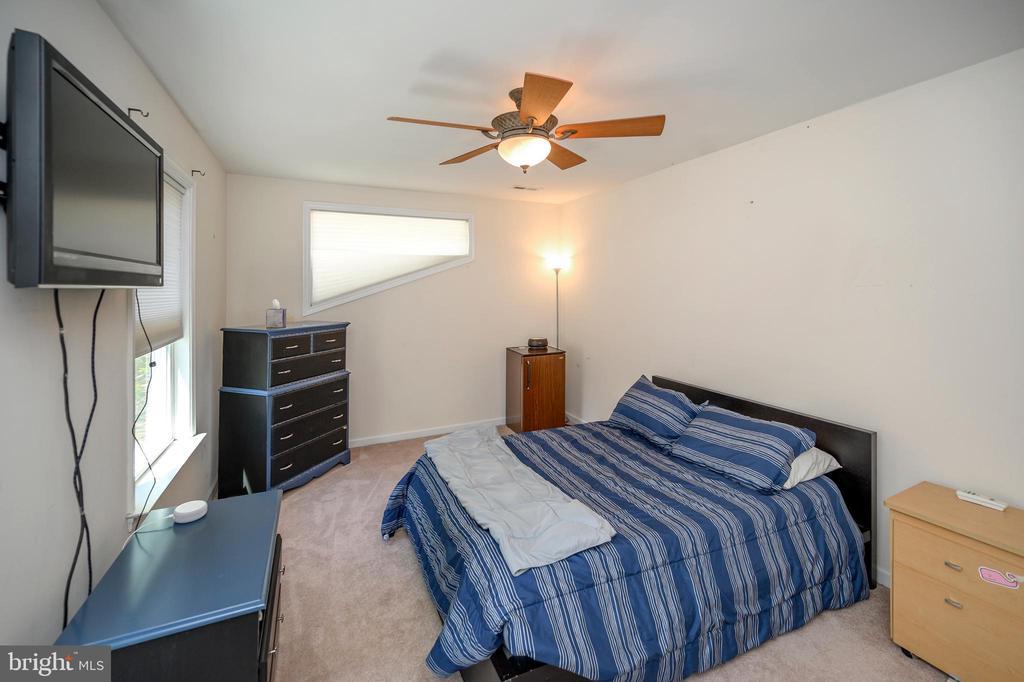 Upper level bedroom 4 - 118 CONFEDERATE CIR, LOCUST GROVE