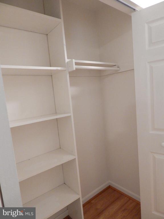 Hallway coat closet w/shelving - 4 NORMAN CT, FREDERICKSBURG