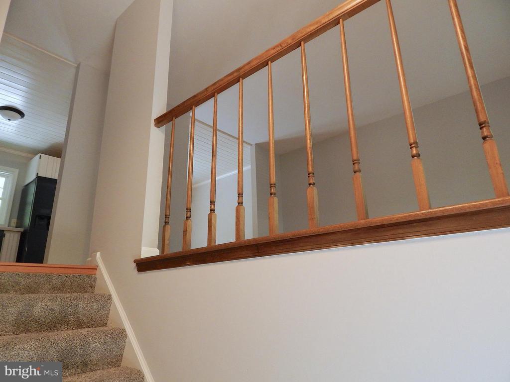 Open railing to living room - 4 NORMAN CT, FREDERICKSBURG