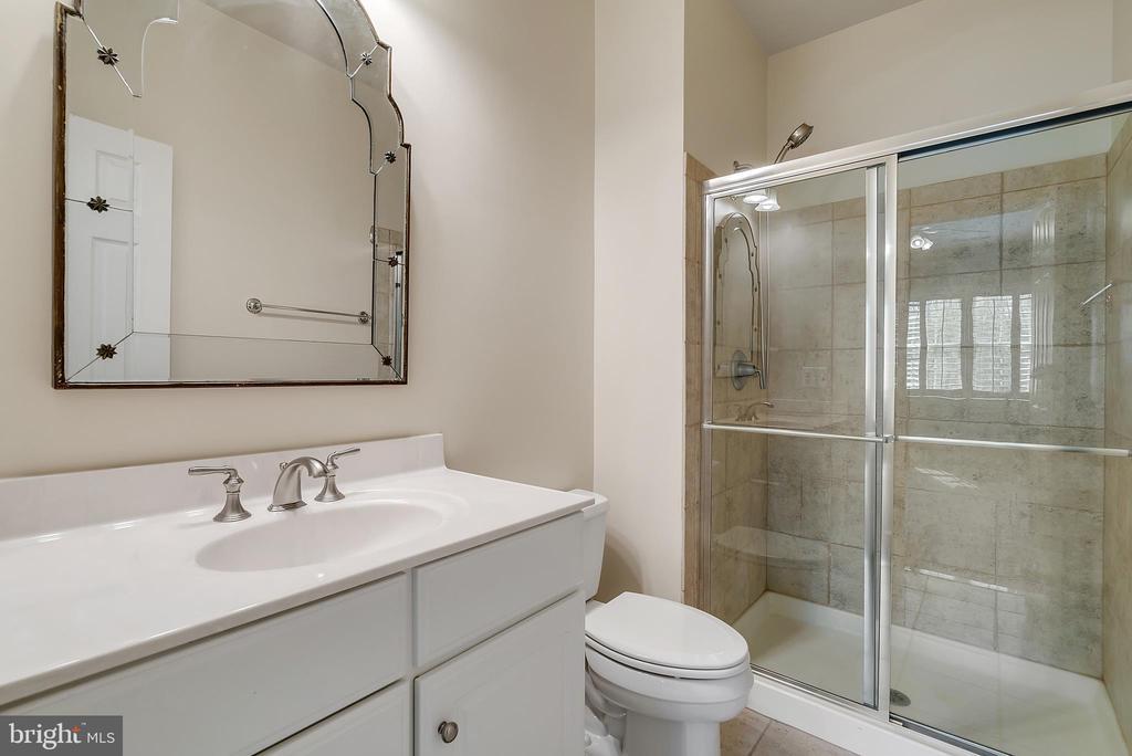 Bathroom #3 - 24020 LACEYS TAVERN CT, ALDIE