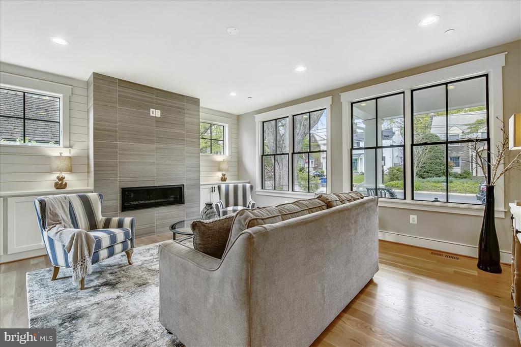 Living Room - 5100 FAIRGLEN LN, CHEVY CHASE