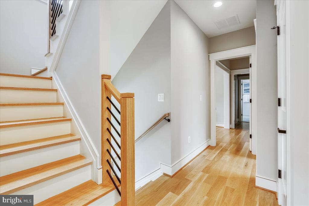 Upper Level I Level Hallway/Staircase - 5100 FAIRGLEN LN, CHEVY CHASE