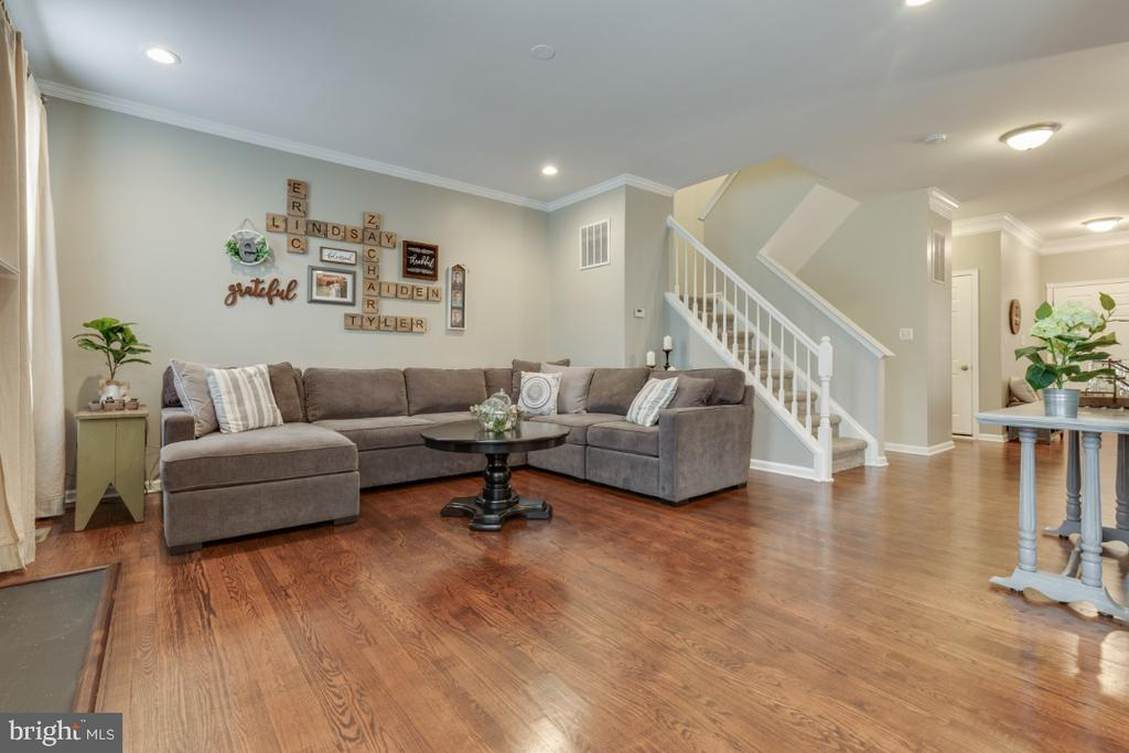 Refinished Hardwood Floors on the Main Level - 43609 DUNHILL CUP SQ, ASHBURN