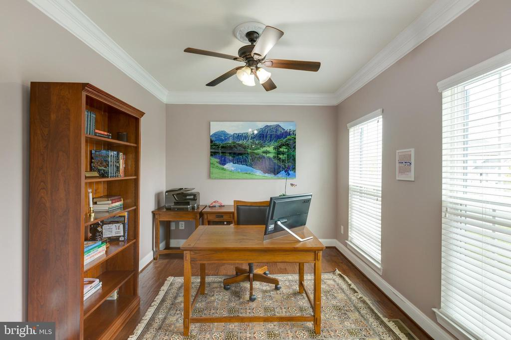 Office - 25916 SYCAMORE GROVE PL, ALDIE