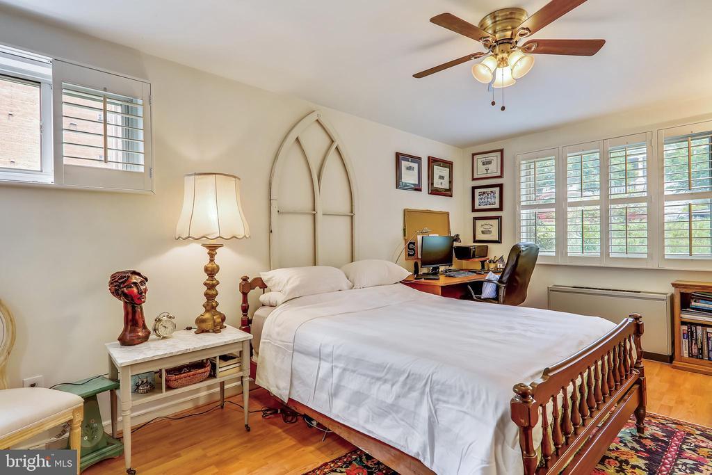 Bedroom - 2710 MACOMB ST NW #215, WASHINGTON