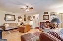 Open Living Area - 2710 MACOMB ST NW #215, WASHINGTON