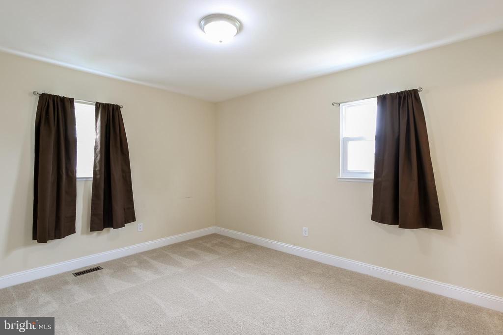 Master bedroom - 275 PINOAK LN, FREDERICK