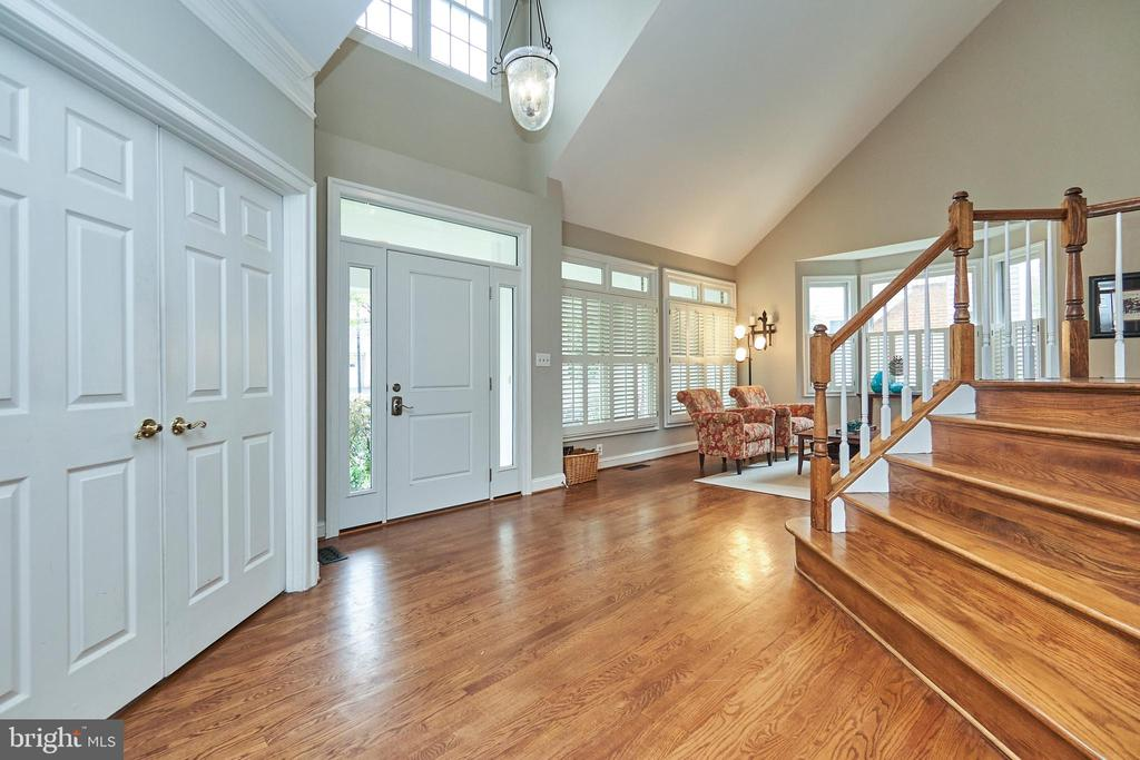 Two-Story Foyer - 5809 MAGNOLIA LN, FALLS CHURCH